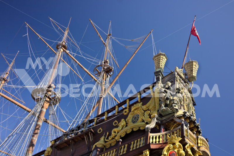 Genoa. Neptune galleon anchored in the port. - MyVideoimage.com | Foto stock & Video footage