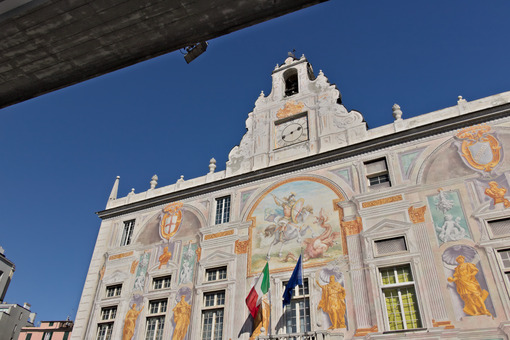 Genoa. Palace of San Giorgio and the elevated road - MyVideoimage.com | Foto stock & Video footage