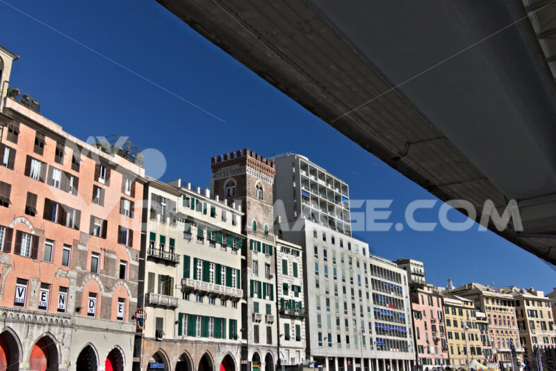 Genoa. Palaces overlooking the ancient port - MyVideoimage.com | Foto stock & Video footage