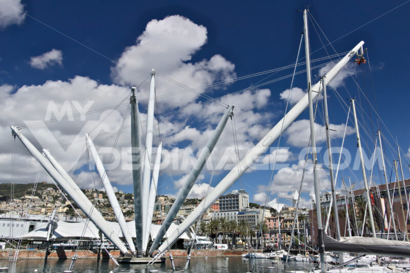 Genoa. The BIGO, panoramic lift. - MyVideoimage.com | Foto stock & Video footage