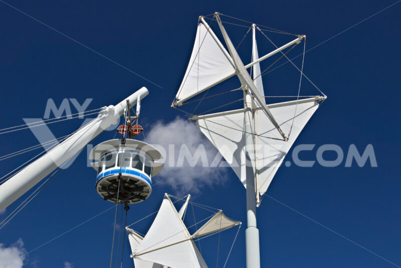 Genoa. The Bigo, panoramic lift. - MyVideoimage.com | Foto stock & Video footage