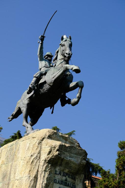 Giuseppe Garibaldi. Equestrian statue of Giuseppe Garibaldi. Stock photos. - MyVideoimage.com | Foto stock & Video footage