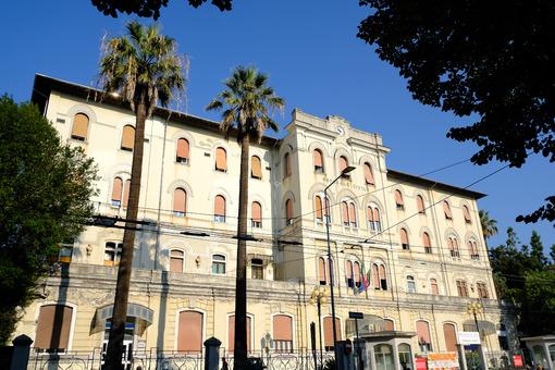 Hospital of La Spezia Civic hospital of La Spezia in the city center.  Stock photos. - MyVideoimage.com | Foto stock & Video footage