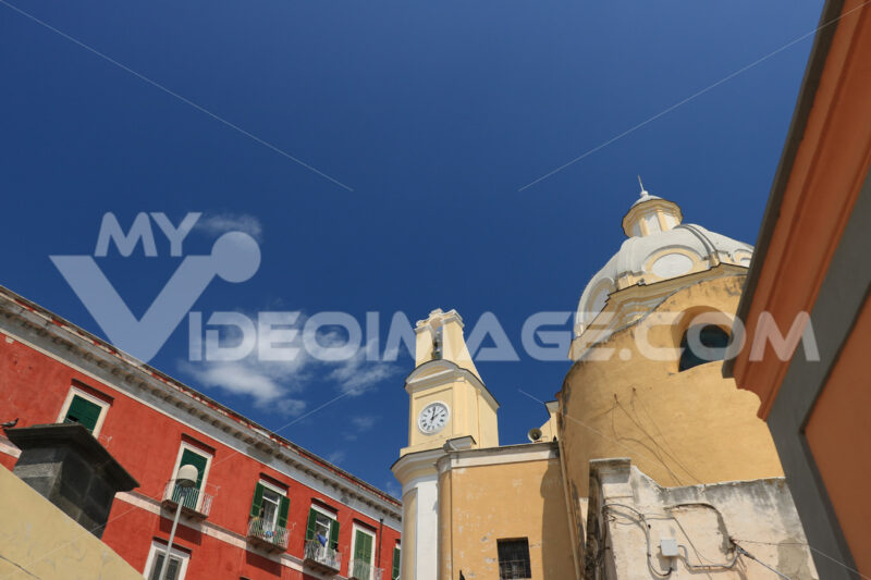Isola di Procida. Church with bell tower and buildings in the square on the Island - MyVideoimage.com | Foto stock & Video footage