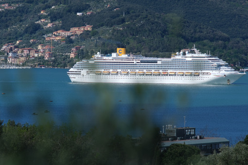 La Spezia Cruise ship. Costa Fascinosa cruise ship. Stock photos. - MyVideoimage.com | Foto stock & Video footage