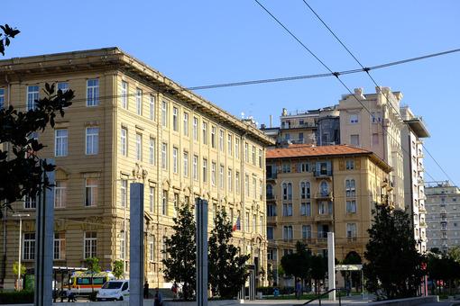 La Spezia building. Costa classical high school in La Spezia. Stock photos. - MyVideoimage.com | Foto stock & Video footage