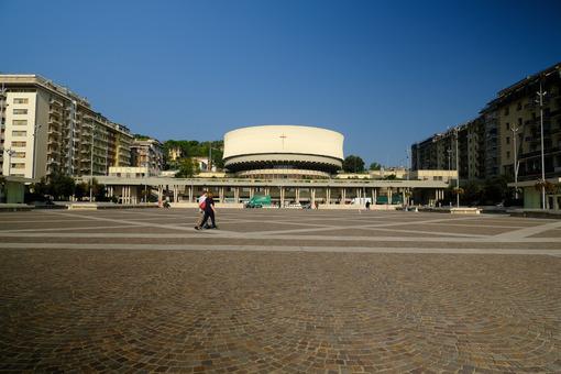 La Spezia cathedral. Large square in La Spezia and Cathedral. Stock photos. - MyVideoimage.com | Foto stock & Video footage
