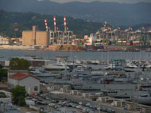 La spezia port. Military port and commercial port. Stock photos. - MyVideoimage.com | Foto stock & Video footage