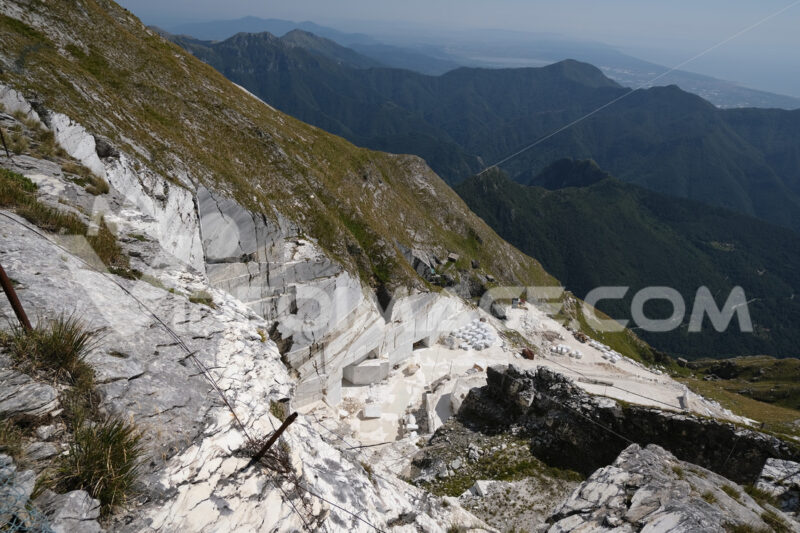 Marble quarries. White marble quarries on Monte Corchia. Stock photos. - MyVideoimage.com   Foto stock & Video footage