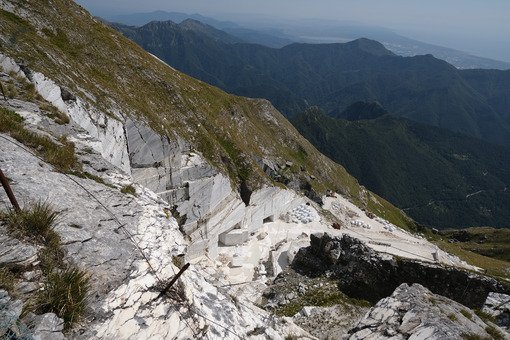 Marble quarries. White marble quarries on Monte Corchia. Stock photos. - MyVideoimage.com | Foto stock & Video footage