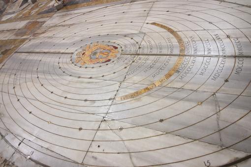 Marble sundial on the floor of an ancient church. - LEphotoart.com