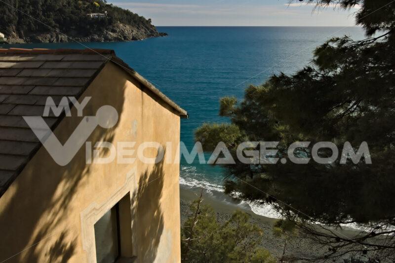 Mediterranean house at the Cinque Terre sea. A typical Mediterranean house in a Ligurian village (Bonassola, Province of La Spezia) - LEphotoart.com