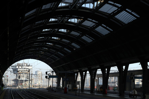 Milan, Central Station. Gallery and infrastructure - MyVideoimage.com