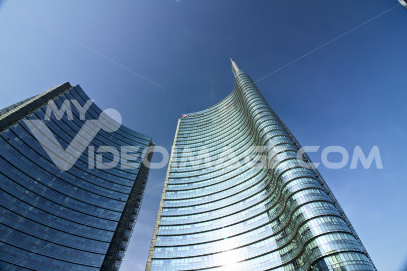 Milan, Italy. March 21 2019. The real estate complex with the Unicredit skyscraper in Piazza Gae Aulenti. - MyVideoimage.com