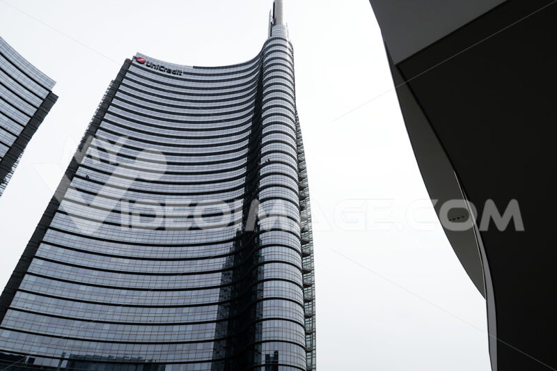 Milan, Lombardy, 9/6/2018. The Unicredit Tower, the tallest skyscraper in Italy. - MyVideoimage.com