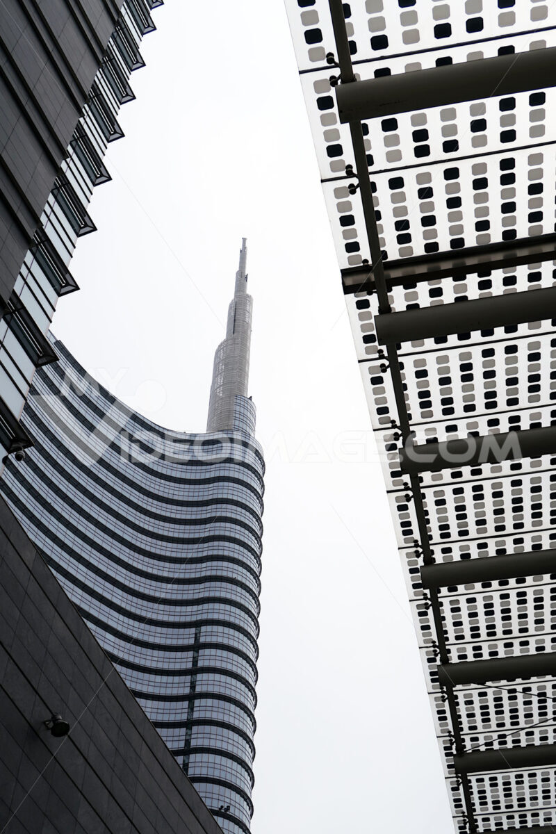 Milan, Lombardy, 9/6/2018. The Unicredit Tower, the tallest skyscraper in Italy. Società.  Company building - LEphotoart.com