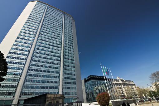 Milan. Italy. March 21 2019. Pirelli skyscraper. - MyVideoimage.com
