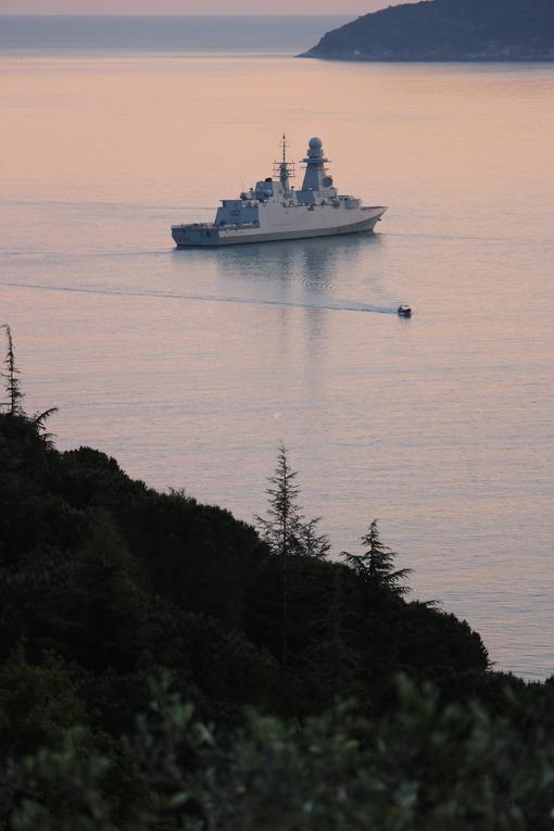 Military ship. La Spezia - MyVideoimage.com   Foto stock & Video footage