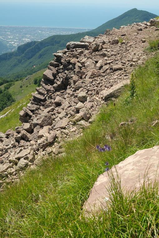 Monte Matanna panorama. Versilia panorama from Monte Matanna, Alpi Apuane. Stock photos. - MyVideoimage.com | Foto stock & Video footage