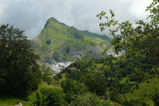Monte Sagro in the Apuan Alps. - MyVideoimage.com | Foto stock & Video footage