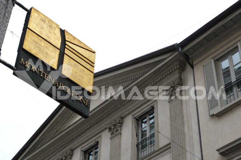 Montenapoleone. Via della moda a Milano. Bronze plaque with logo of the main street of Milan of high fashion. Milano foto. - MyVideoimage.com | Foto stock & Video footage