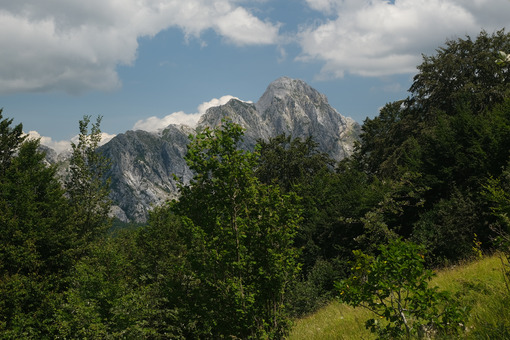 Mountains of the Apuan Alps. The Pizzo d'Uccello. - MyVideoimage.com   Foto stock & Video footage