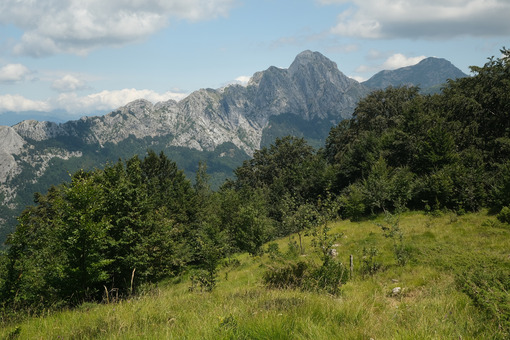 Mountains of the Apuan Alps. The Pizzo d'Uccello. - MyVideoimage.com | Foto stock & Video footage