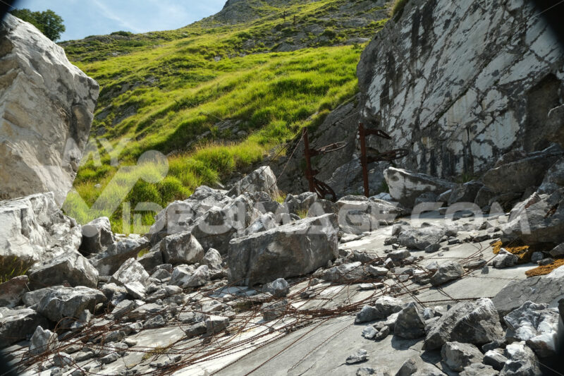 Old quarry. Old white marble quarry of the Apuan Alps. Stock photos. - MyVideoimage.com | Foto stock & Video footage