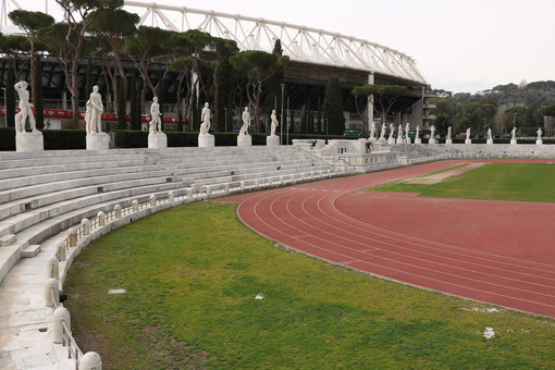 Olympic stadium and marble stadium. White Carrara marble sculptures of the Italian forum in Rome. - LEphotoart.com
