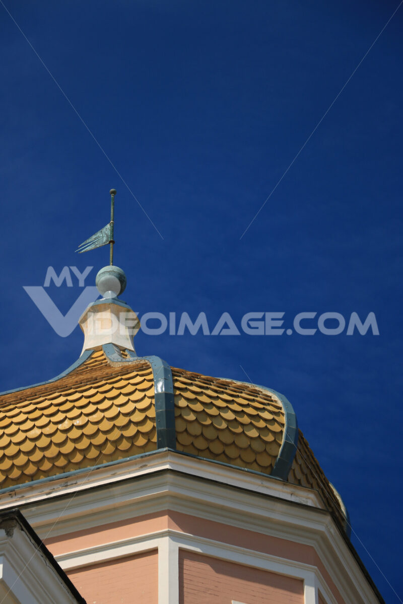 Oriental style dome and buildings with floral decorations on the - MyVideoimage.com