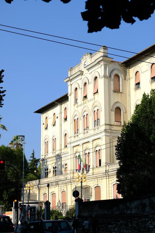 Ospedale La Spezia. Civic hospital of La Spezia in the city center.  Foto stock royalty free. - MyVideoimage.com | Foto stock & Video footage