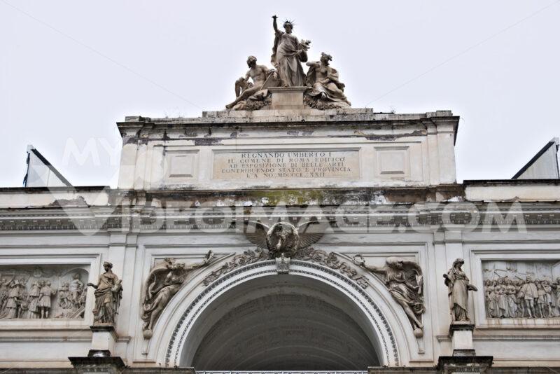 Palazzo delle Esposizioni in Rome. Pediment with sculptural grou - MyVideoimage.com