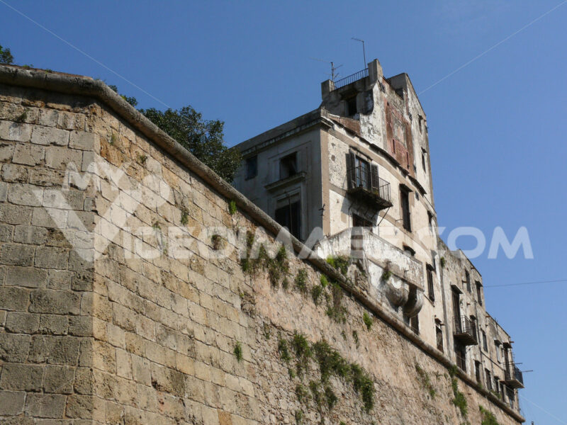 Palermo, Sicily, Italy. Degraded and uninhabited houses. - MyVideoimage.com