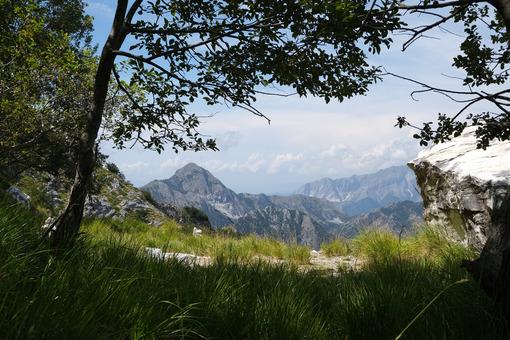 Panorama Alta Versilia. Alpine panorama on the Apuan Alps in Alta Versilia. Foto stock royalty free. - MyVideoimage.com | Foto stock & Video footage