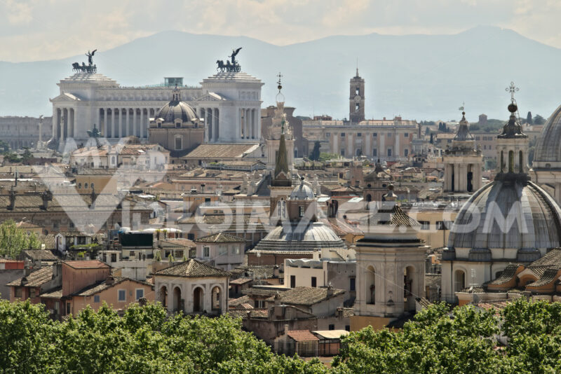 Panorama of Rome with the Altar of the Fatherland. - LEphotoart.com