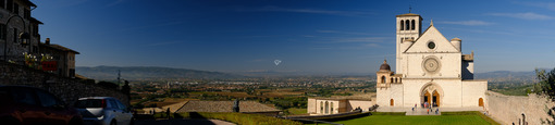 Panoramic photograph of the Basilica of San Francesco in Assisi. - LEphotoart.com