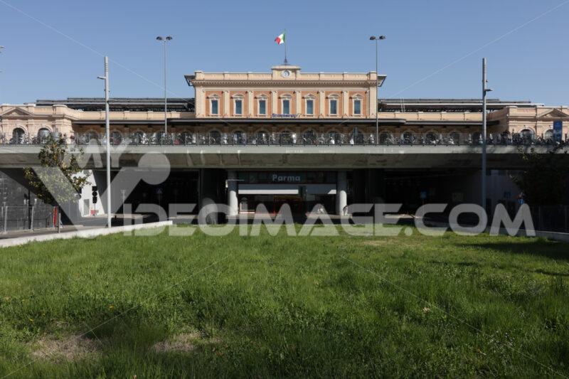Parma railway station with an underground road. - MyVideoimage.com
