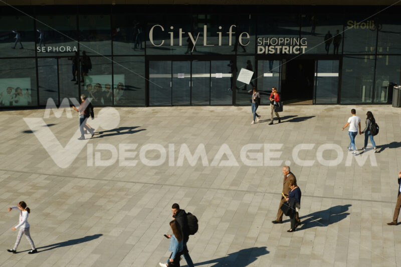 Piazza with entrance to the Citylife shopping center in Milan. - MyVideoimage.com