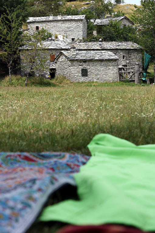Picnick in Tuscany. Garfagnana, Campocatino, Apuan Alps, Lucca, Tuscany. Italy. - MyVideoimage.com | Foto stock & Video footage