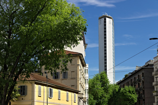 Pirelli skyscraper in Piazza Duca d'Aosta in Milan. The famous skyscraper was designed by the architect Giò Ponti and is made of a reinforced concrete structure. - MyVideoimage.com