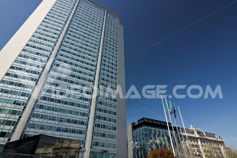 Pirelli skyscraper. Photo stock royalty free. - LEphotoart.com