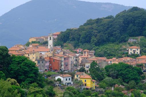 Pitelli. Pitelli, village of La Spezia. Stock photos. - MyVideoimage.com | Foto stock & Video footage