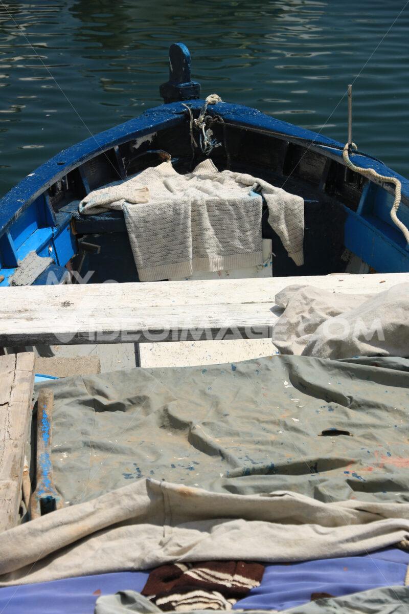 Porto di Corricella. Boats anchored in the port of Corricella on the Island of Procid - MyVideoimage.com | Foto stock & Video footage