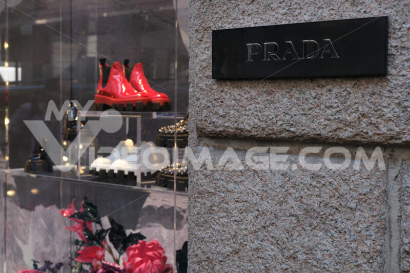 Prada boutique with shop windows on Via Montenapoleone in Milan. - MyVideoimage.com