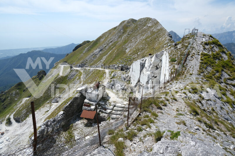 Quarries. White marble quarries on Monte Corchia. Stock photos. - MyVideoimage.com   Foto stock & Video footage
