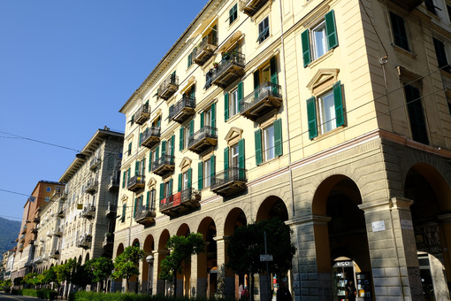 Residential buildings in La Spezia. Palaces of the 900 in via Chiodo. Stock photos. - MyVideoimage.com | Foto stock & Video footage