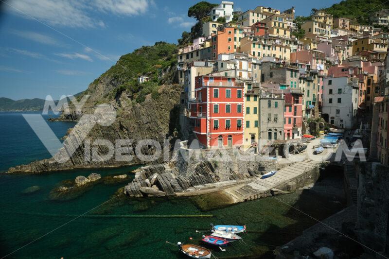 Riomaggiore to the Cinque Terre. Colored houses on the sea. Famous tourist destination. Coronavirus period. Stock Photos. Città italiane. Italian cities.