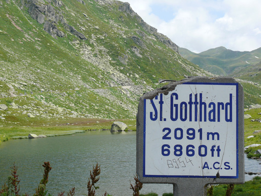 Road sign to the Gotthard Pass - MyVideoimage.com