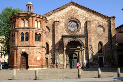 Romanesque church in Cremona. Romanesque brick church. Stock photos. - MyVideoimage.com | Foto stock & Video footage