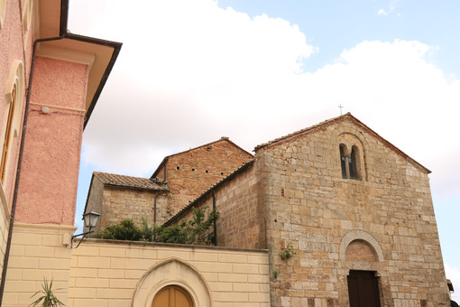 Romanesque church of Magliano in Toscana, Maremma. Stone facade - MyVideoimage.com